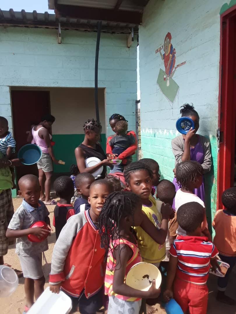 winkende Kinder
